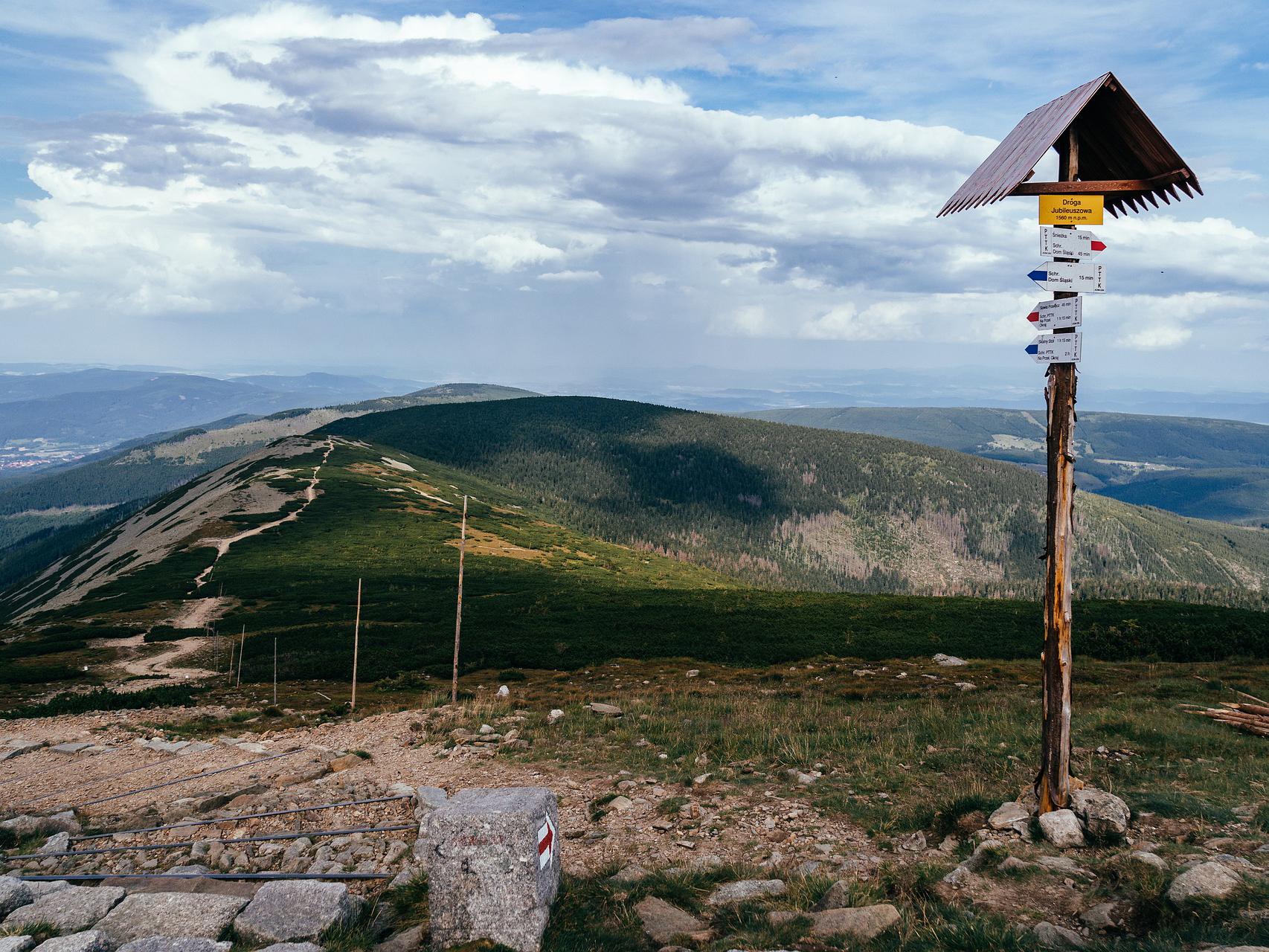 Najpiękniejsze szlaki turystyczne Karpacza