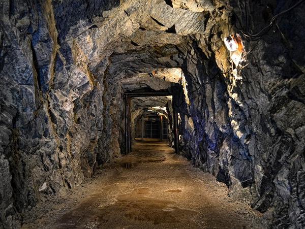 Sztolnie Kowary – stara kopalnia uranu oraz podziemna trasa turystyczno-edukacyjna